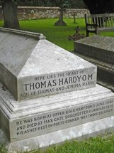 Thomas Hardy's grave.jpg