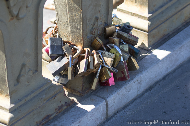 parislove locks
